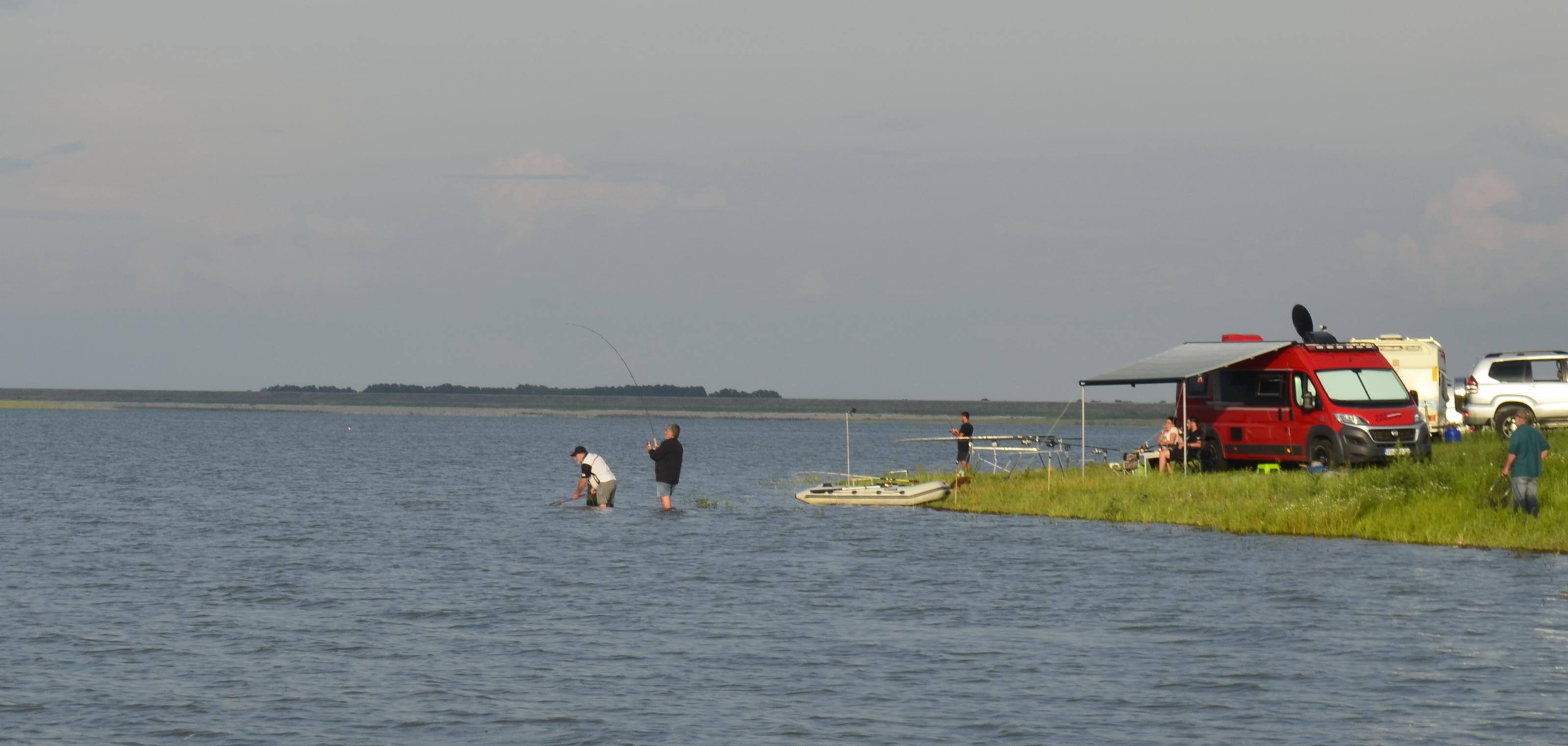 Риболов на язовир Пясъчник през юни 2019